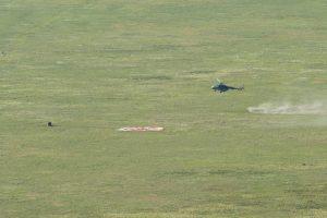 Très vite un premier hélicoptère se pose auprès de Soyouz MS-07.