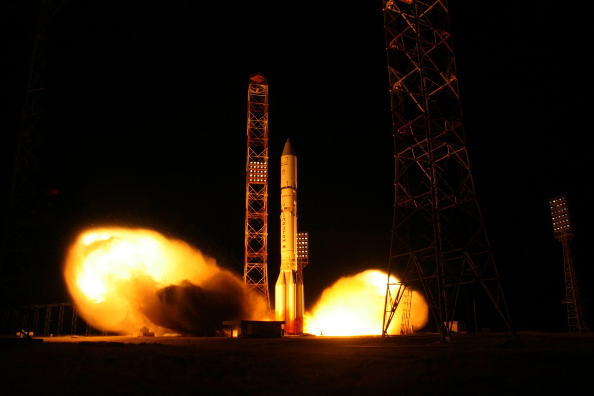 Une belle image de Proton-M au décollage depuis Baïkonour.