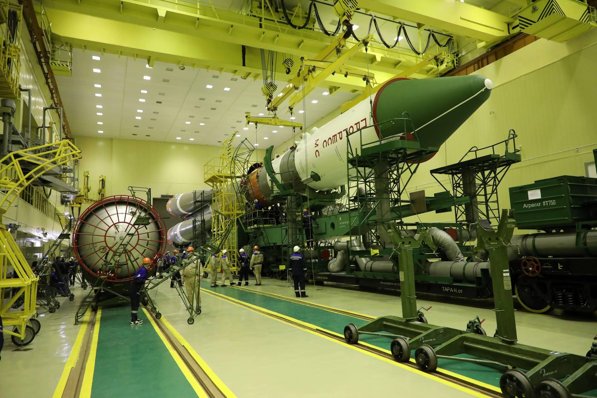 Les deux parties de la fusée sont maintenant dans le même axe.