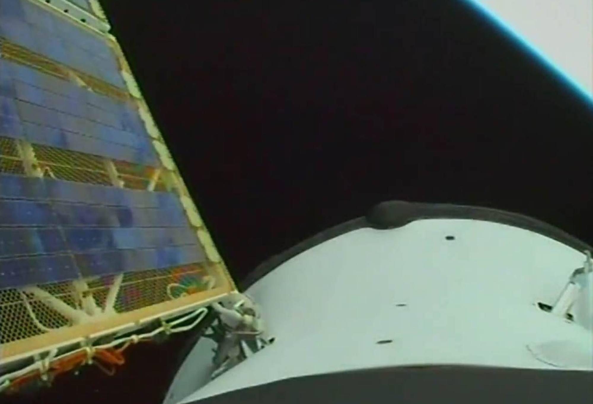 Les panneaux solaires de Progress MS-16 se sont déployés quelques instants après la séparation du troisième étage du lanceur.