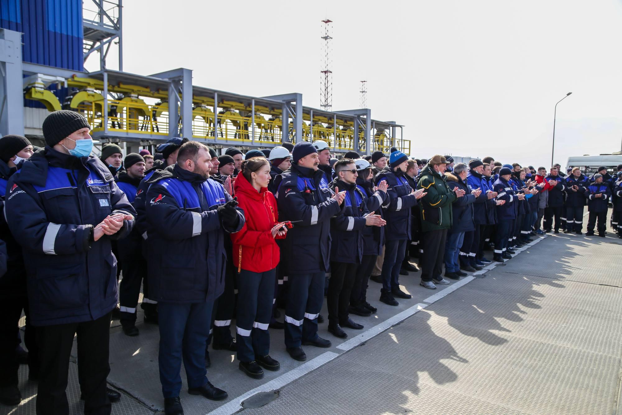 Le personnel ayant participé au lancement et sa préparation.