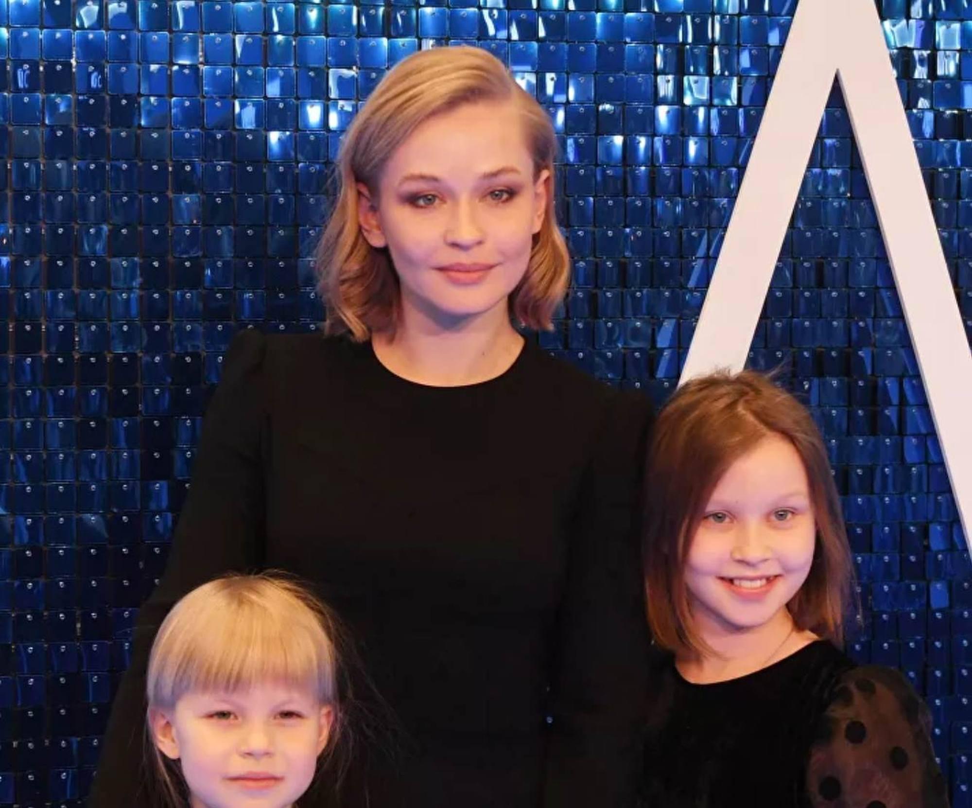 L'une de 4 sélectionnées: Yiliya Pereslid (et ses deux filles).