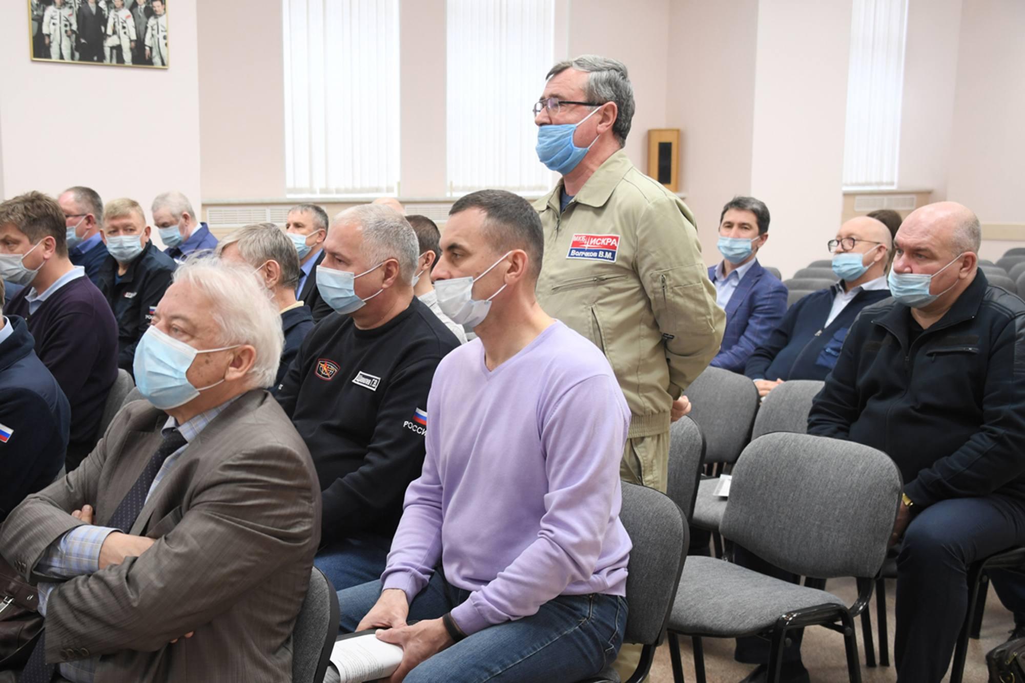 L'intervention du représentant de la compagnie ISKRA, fabricant du SAS.