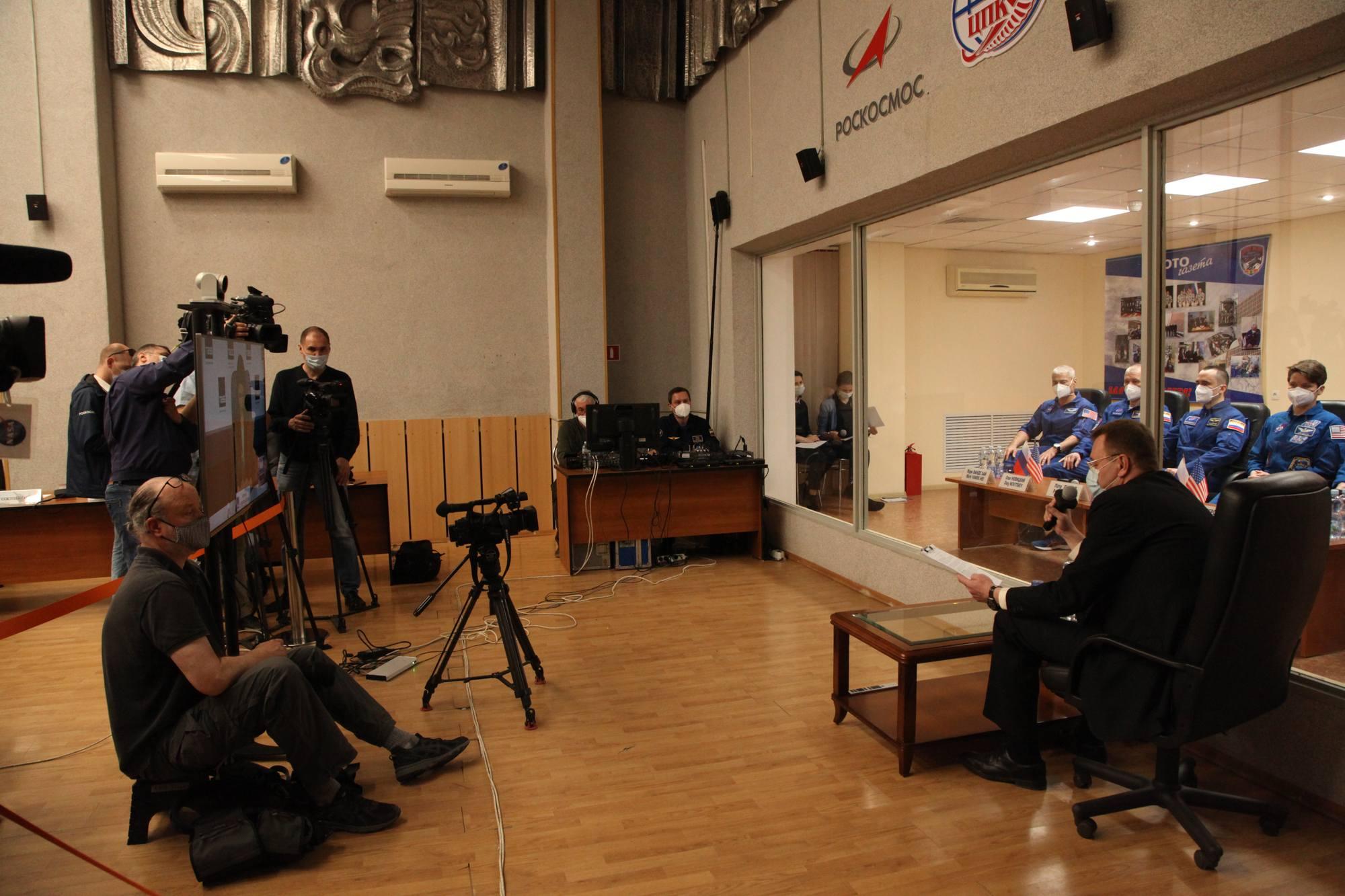 Une autre vue de la salle du TsPK lors de la vidéo-conférence de presse.