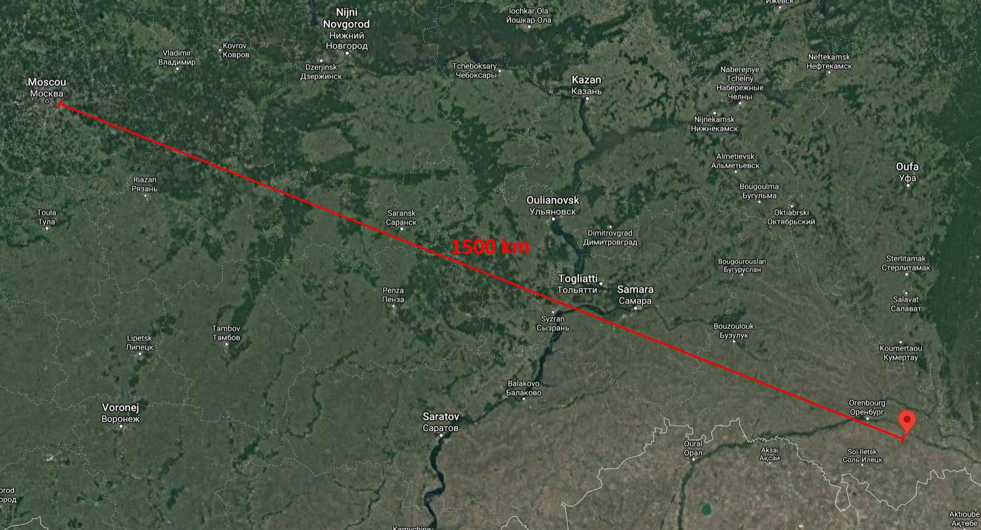 La distance entre la zone d'atterrissage et Moscou est de'environ 1500 km. Au Sud de cette zone, le Kazakhstan.