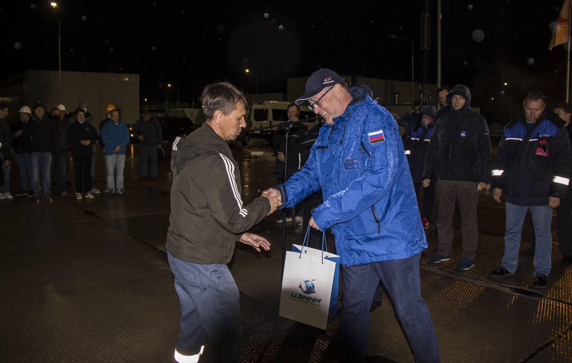 La traditionnelle remise de récompenses a bien eu lieu malgré le mauvais temps.