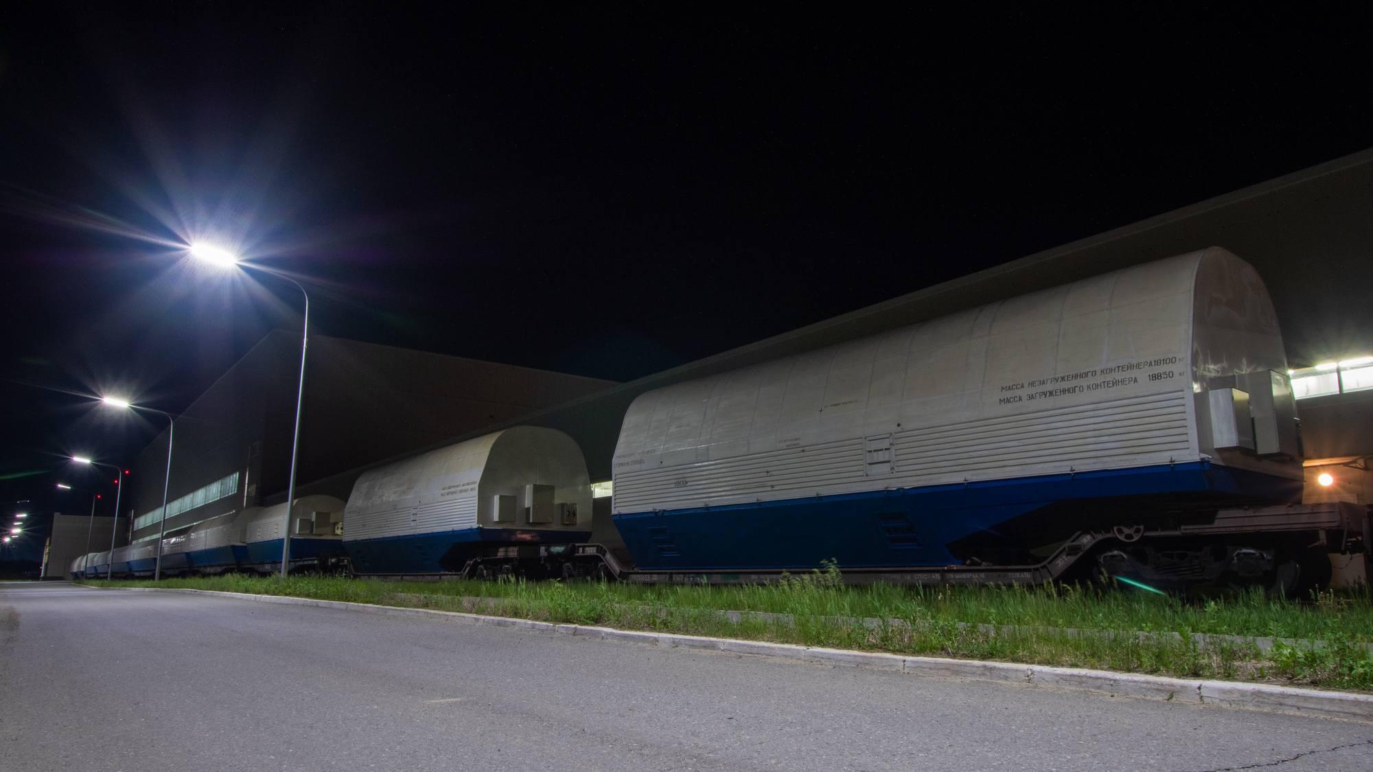 D'autres wagons sont immobilisés à l'extérieur du MIK.