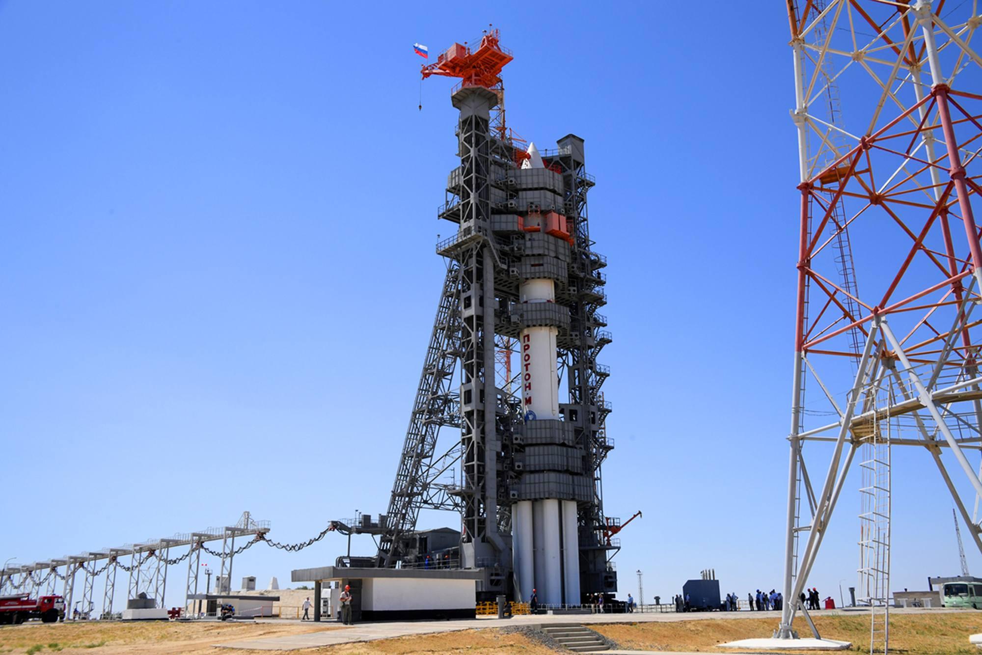 Le lanceur est prêt à subir plusieurs jours de tests avant le lancement.