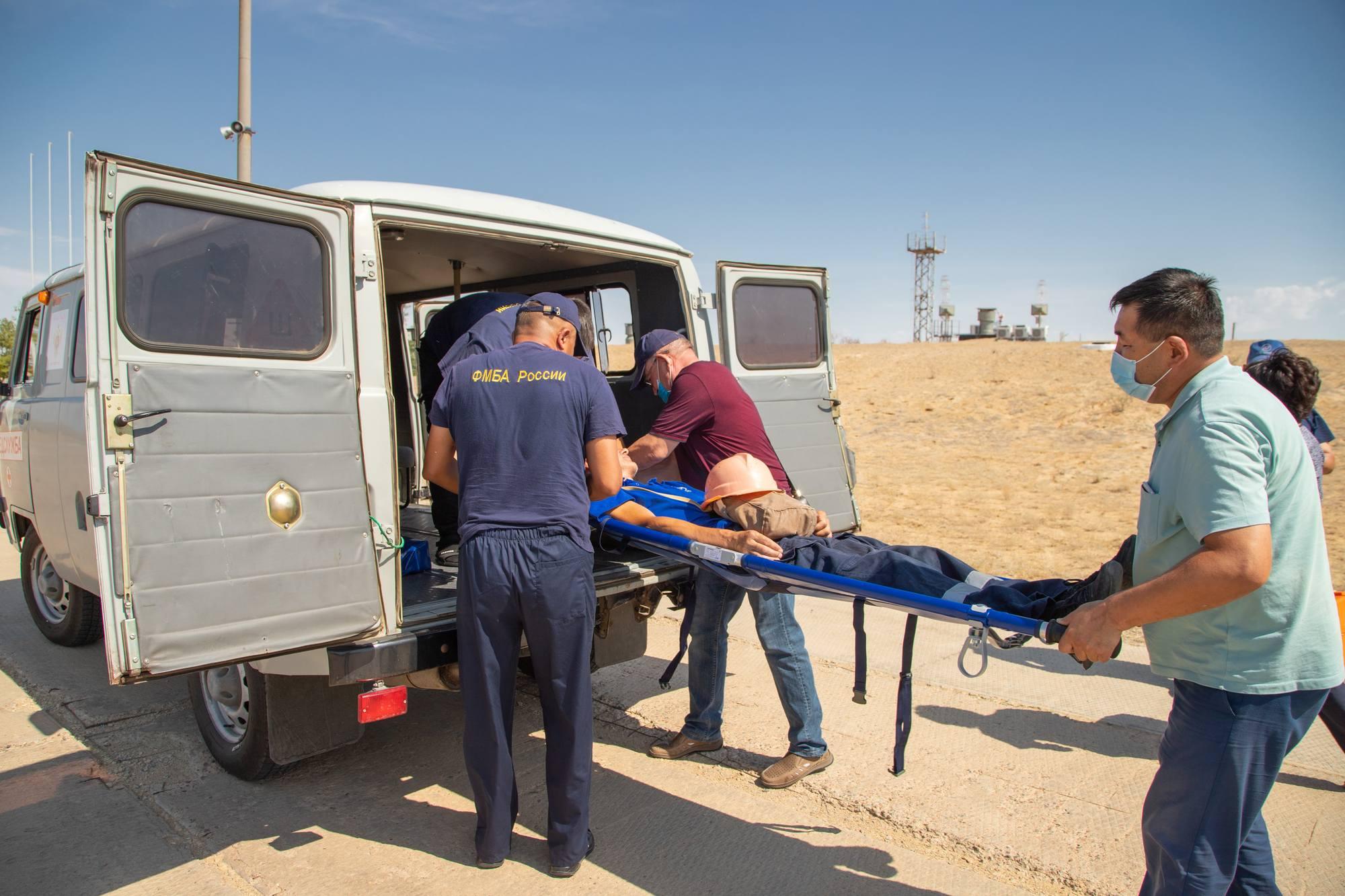 Exercide d'évacuation d'un blessé.