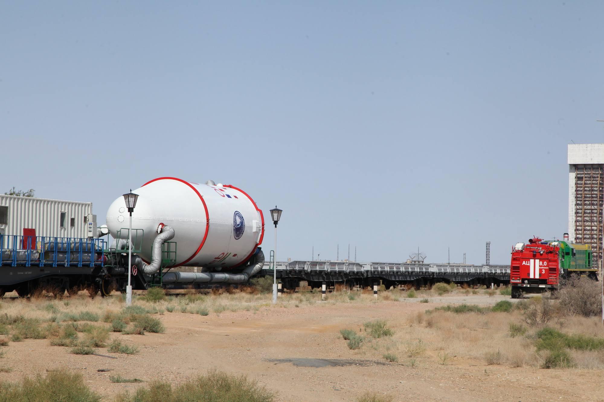 Le convoi passe non loin du stand de test dynamique du système Energuya-Bourane, aujourd'hui abandonné.